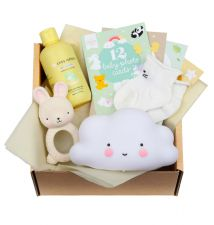 Baby gift box with Teething toy bunny, Little light: cloud - white, Tiny Humans Baby Shampoo, 12 double-sided Baby photo cards, baby socks (0-3 months)
