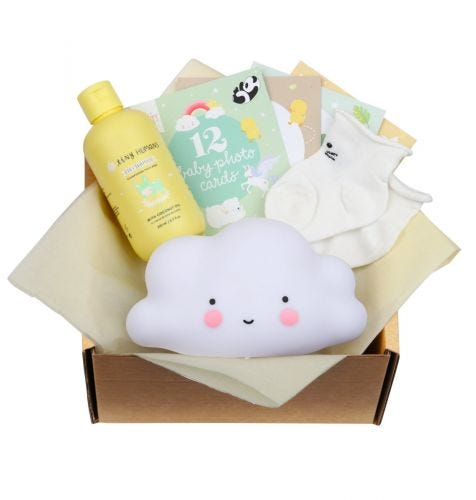 Baby giftbox met Little light: wolkje - wit, Tiny Humans Baby Shampoo, 12 dubbelzijdige Baby Photo Cards, babysokjes (0-3 maanden, model sokjes kan afwijken van de afbeelding)