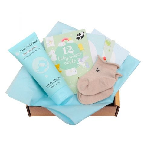 Baby giftbox met Tiny Humans Baby Bodywash, 12 dubbelzijdige Baby Photo Cards, babysokjes (0-3 maanden)
